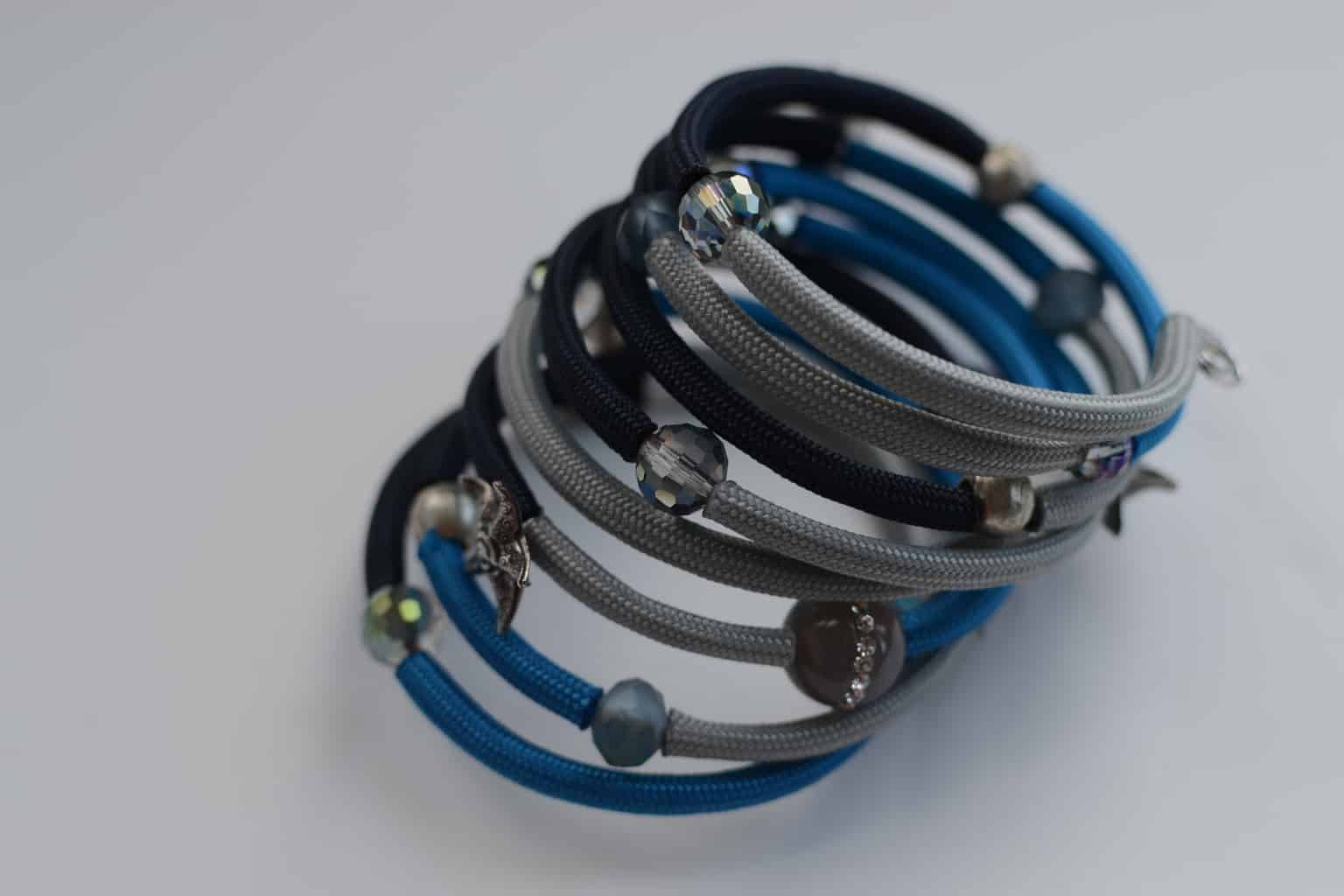 Making Jewelry With Memory Wire is fun, fast and affordable