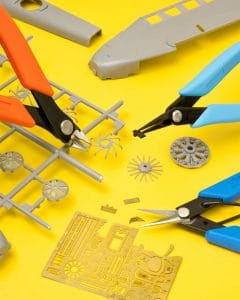 The Xuron® Tool Kit #3200 includes three essential tools for pro model builders.