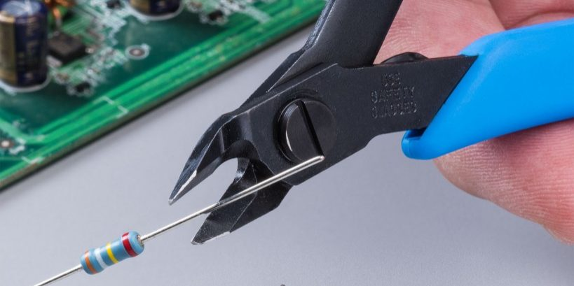 The Xuron® Model 9200 Tapered Head Micro-Shear® Flush Cutter is a precision wire cutter capable of cutting printed circuit board component leads up to 14 AWG (1.02 mm)